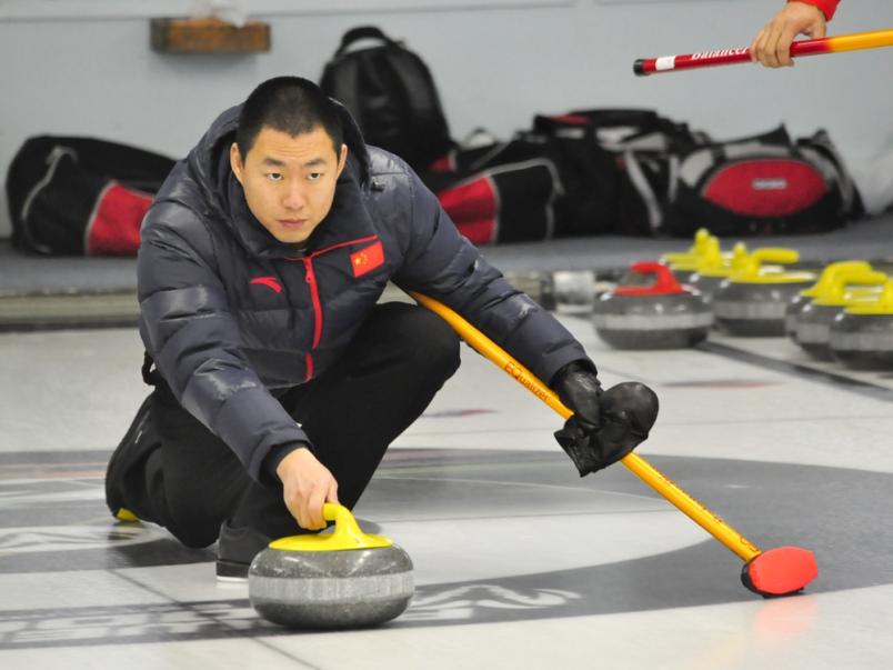 Rui Liu wins Challenge de Curling de Gatineau
