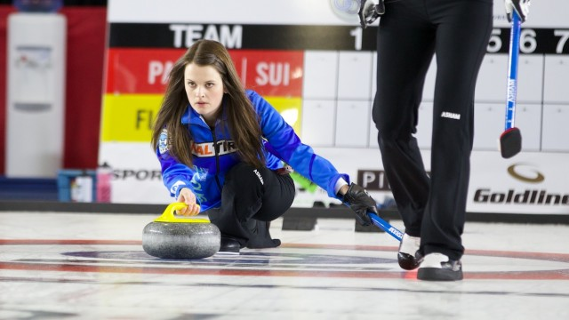 Tracy Fleury wins Gord Carroll Curling Classic