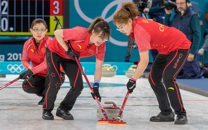 China's Bingyu Wang Puts Canada On the Ropes