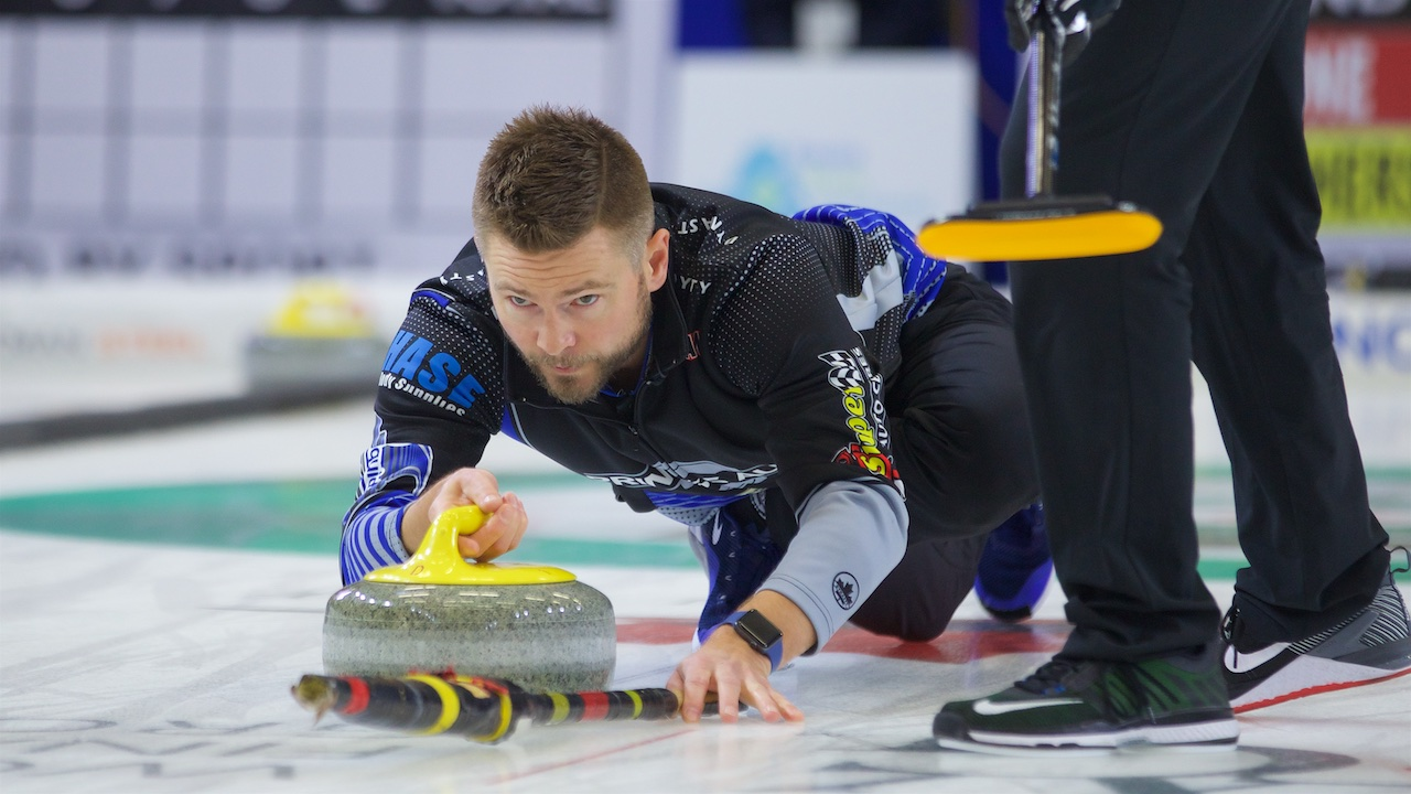 Canada's McEwen leading at Uiseong International Curling Cup