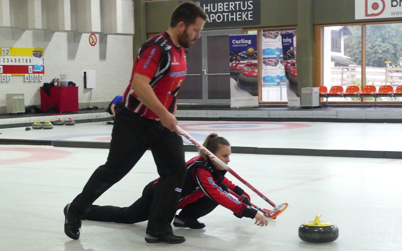 OLYMPIC SILVER MEDALISTS BACK ON ICE IN OBERSTDORF